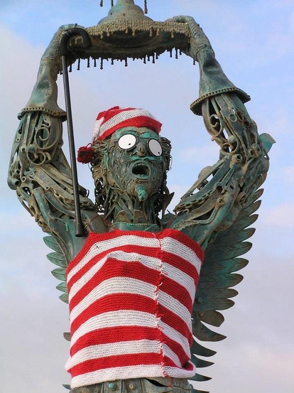 estátua arcanjo vila nova de milfontes