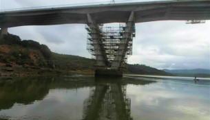 obras da ponte em vila nova de milfontes