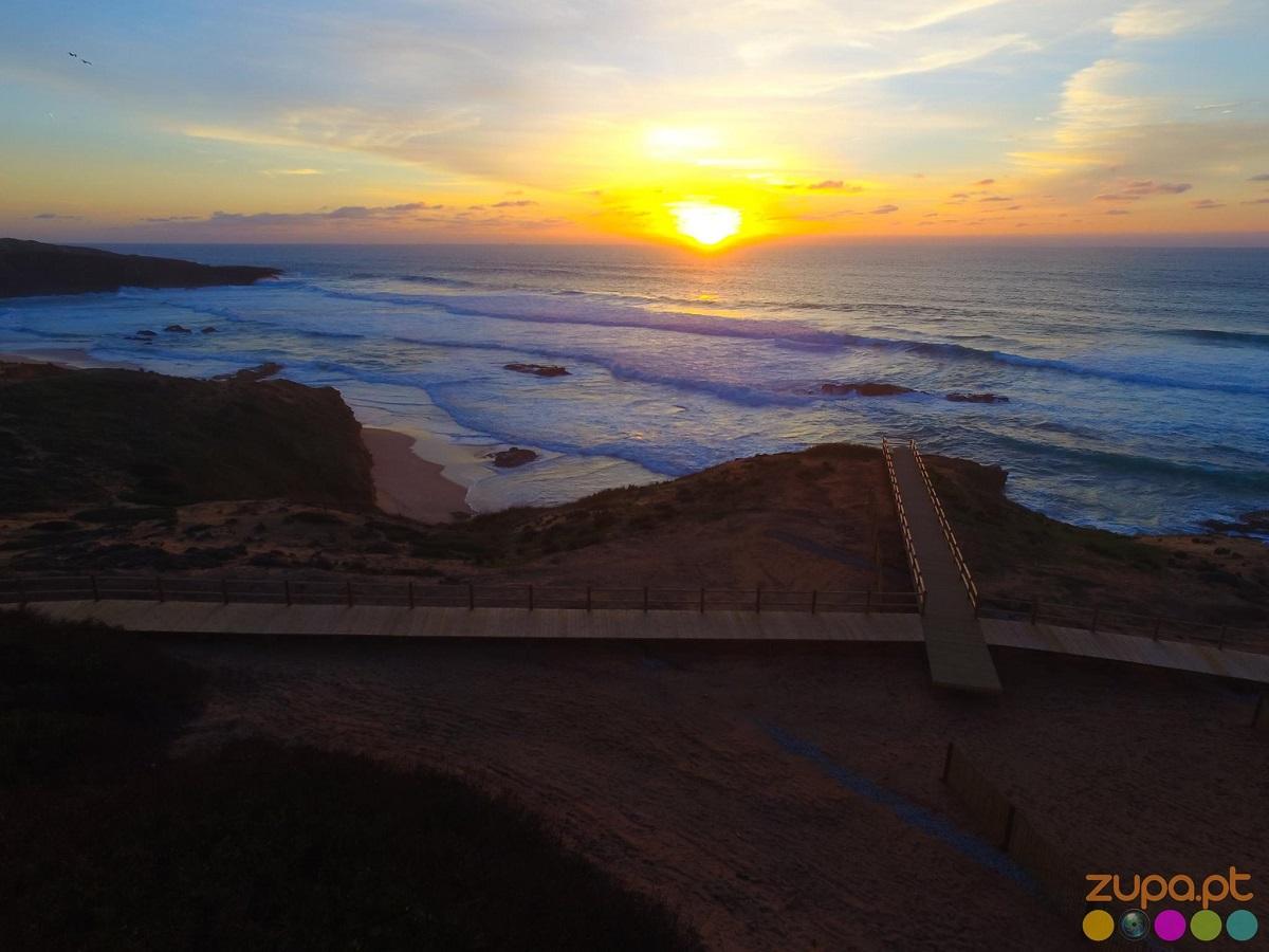 praia do malhão por do sol